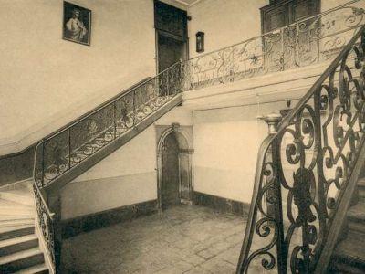 L'escalier du grand hall