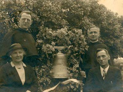 1937 - Agnès-Hubertine, cloche de la chapelle